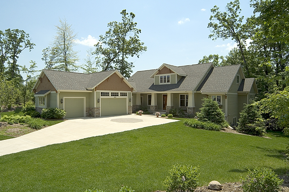 Transitional style homes grand rapids west mi custom quality new homes builder and home - Quality home exteriors ...